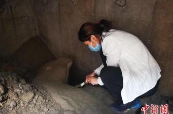 北京正阳桥遗址发掘出土一具镇水兽