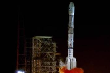 中国中星18号通信卫星发射入轨后不久即出现工作异常情况