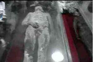 法国干尸睡美人,百年不腐身体柔软如同活人(图片)