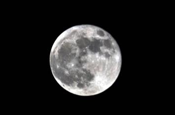 """今年中秋节依然是""""十五的月亮十六圆"""" 是本年内""""最小满月"""""""